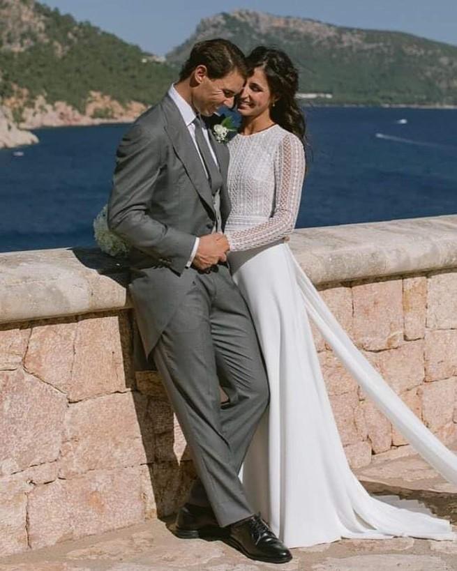 Rafa Nadal luce un traje de novio gris el día de su boda